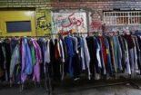 فروشندگان لباس مستعمل یا قاچاقچیان کالا و ارز؟/ فروشندگان پوشاک مستعمل در مشهد در انتظار برچیده شدن کسب و کارشان باشند