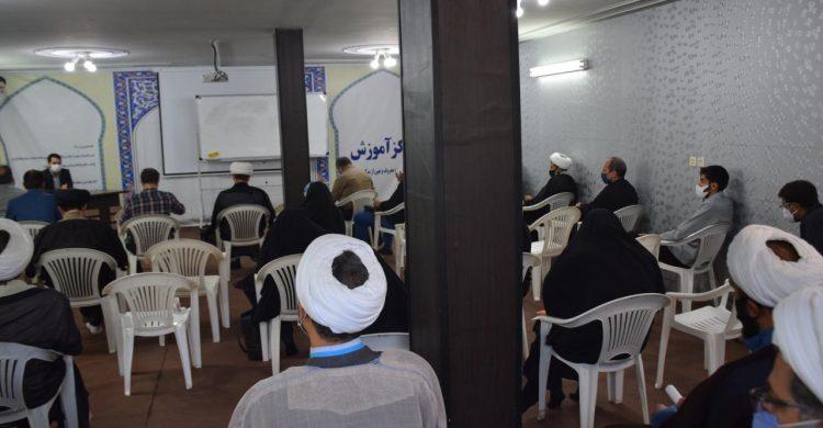 مشاورین مجمع رهروان استان در مجتمع های قضایی جهادی تلاش می کنند